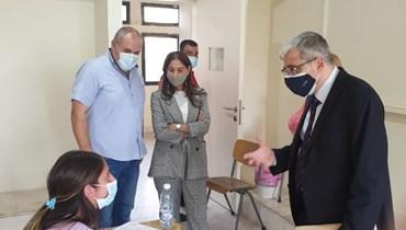 وزير التربية طارق المجذوب خلال جولته التفقّدية.