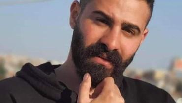 حلُم والداه بزفّه إلى عروسه فزفّاه إلى مثواه الأخير... محمود دلباني ضحية أزمة الوقود