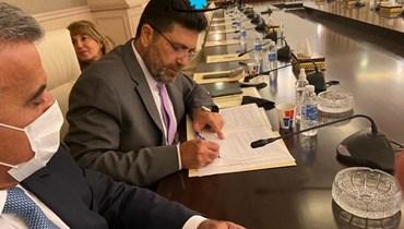 غداة توقيع اتّفاق استيراد النفط... دياب يشكر الكاظمي: لن ننسى الأخ والصديق