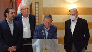 رؤساء الحكومات السابقون في بيت الوسط (نبيل اسماعيل).