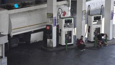 أزمة المحروقات مستمرة بالرّغم من فتح بعض الاعتمادات... هل يوجد في السوق بنزين 80 أوكتان؟