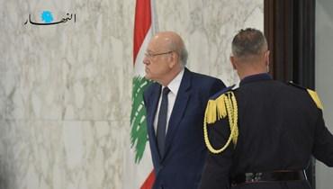 الرئيس المكلف تشكيل الحكومة نجيب ميقاتي في بعبدا (تصوير نبيل إسماعيل).