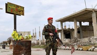 عنصر من قوات النظام السوري (أ ف ب).