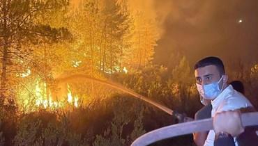 بعد مشاركته في إطفاء الحرائق... انتقادات واتهامات للشيف بوراك بالاستعراض