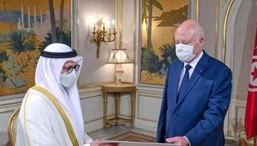 الرئيس التونسي قيس سعيّد يستقبل المستشار الديبلوماسي للرئيس الإماراتي أنور قرقاش.