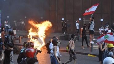 """كوارث تنقضّ على المواطن اللبناني وساحات الاحتجاج فارغة... لماذا لم تستفق """"الثورة""""؟"""