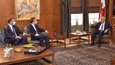 بري استقبل وزير الشؤون الخارجية في صربيا.