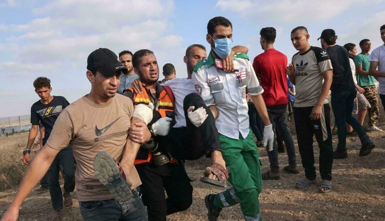إصابة 41 فلسطينياً وشرطي إسرائيلي خلال تظاهرات في غزة