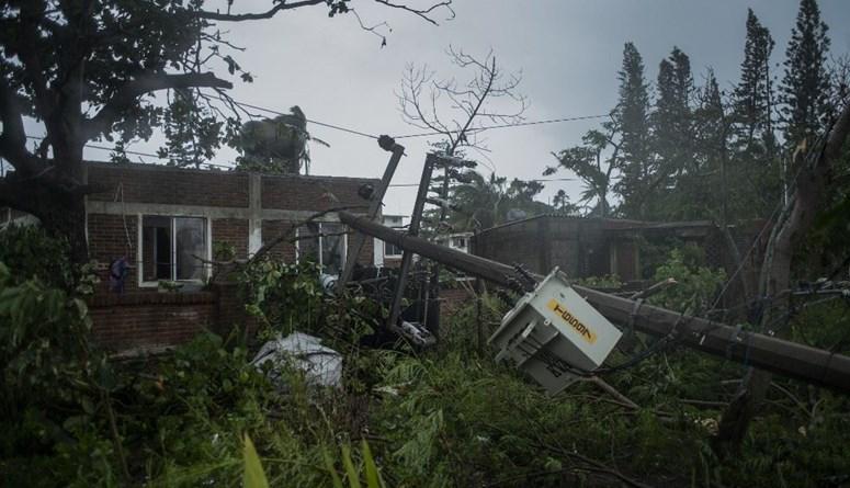 ارتفاع عدد ضحايا الإعصار غريس في المكسيك إلى 11 قتيلاً