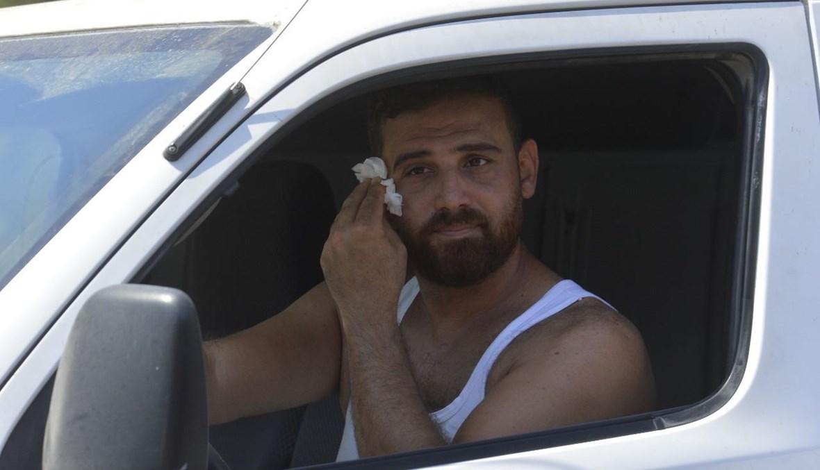 مشاهد الذل أمام المحطات (حسام شبارو).
