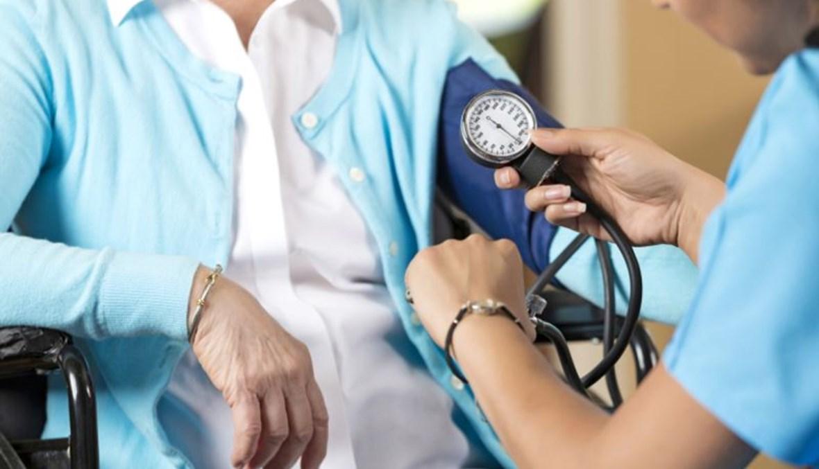 """قياس ضغط الدم (تعبيرية- """"أ ف ب"""")."""
