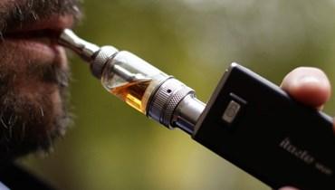 بين السيجارة الإلكترونية والتدخين العادي... أيهما أفضل علمياً؟