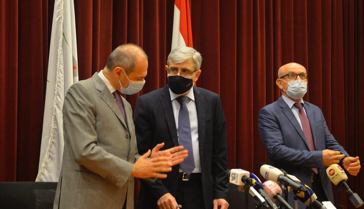 الوزير المجذوب خلال مؤتمر صحافي (23 آب 2021، النهار- تصوير حسام شبارو).