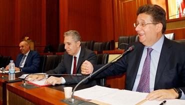 يدرس المجلس المركزي كل الاقتراحات والاحتمالات من حيث إمكانية تعديل سعر صرف السحوبات
