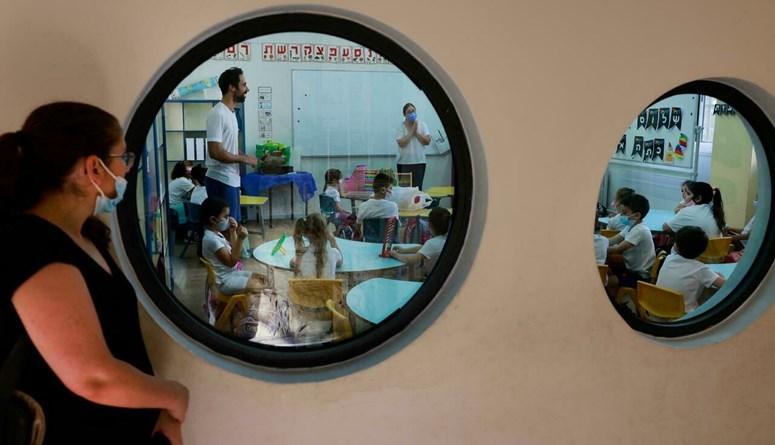 إسرائيل تفتتح العام الدراسي الجديد وسط ارتفاع أعداد الإصابات بفيروس كورونا