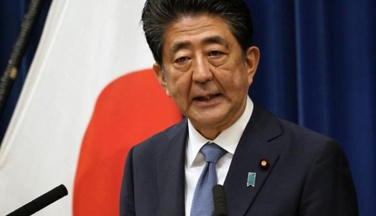 رئيس الوزراء الياباني يتنحى بعد عام في السلطة