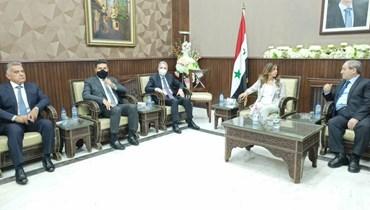 نائبة رئيس مجلس الوزراء زينة عكر مجتمعة ووزير الخارجية السوري فيصل المقداد بحضور الوزيرين وزني وغجر واللواء إبراهيم.