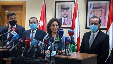 وزيرة الطاقة الأردنية خلال مباحثات الوفدين اللبناني والسوري في الأردن بشأن استجرار الطاقة (أ ف ب).