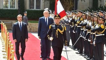 الرئيس نجيب ميقاتي خلال تسلّمه مهامه في السرايا الحكومية (نبيل اسماعيل).