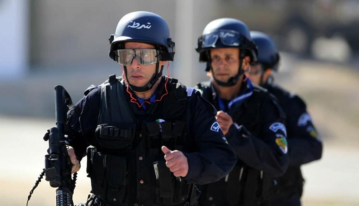 الشرطة الجزائرية (أ ف ب).
