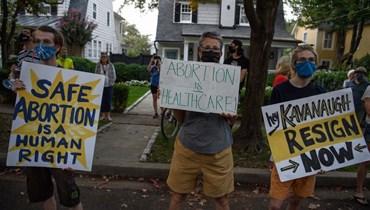 """طبيب يخرق """"قانون القلب النابض"""" في تكساس... إجراء عملية إجهاض لامرأة في الثلث الأول من حملها"""