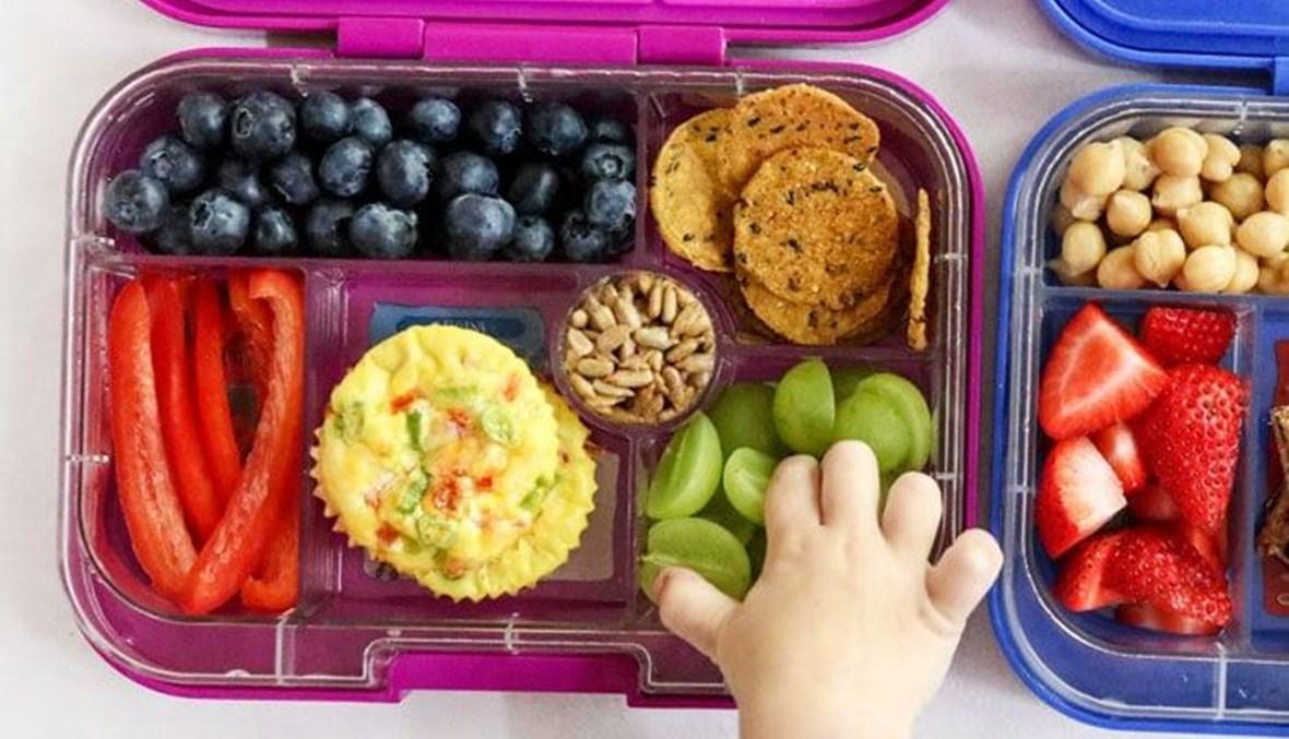 كيف تُحضر زواد صحية لطفلك إلى المدرسة بخيارات متنوعة؟