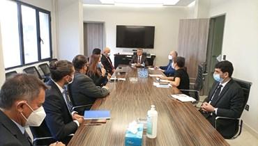 الخليل بحث مع كومار جاه في المشاريع الجارية مع البنك الدولي