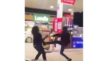 """بالصور والفيديو- بعد لبنان... إشكال عند محطة للبنزين في بريطانيا وتعبئة بـ""""الغالونات"""""""