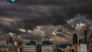 سماء بيروت متلبدّة بالغيوم مع بداية فصل الخريف (نبيل إسماعيل).