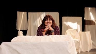 """""""رسائل حبّ"""" لعاشقين متناقضين ومتحابّين على مسرح مونو:   عرض استثنائيّ لجوزيان بولس ونديم شمّاس في زمن الانهيار"""