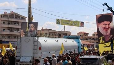 قافلة صهاريج المازوت الإيراني في بعلبك (أ ف ب).