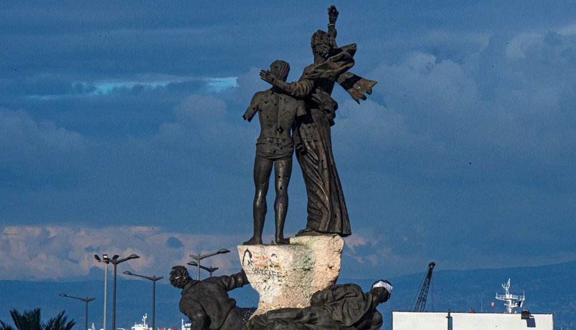 تمثال الحرية في ساحة الشهداء (نبيل اسماعيل).