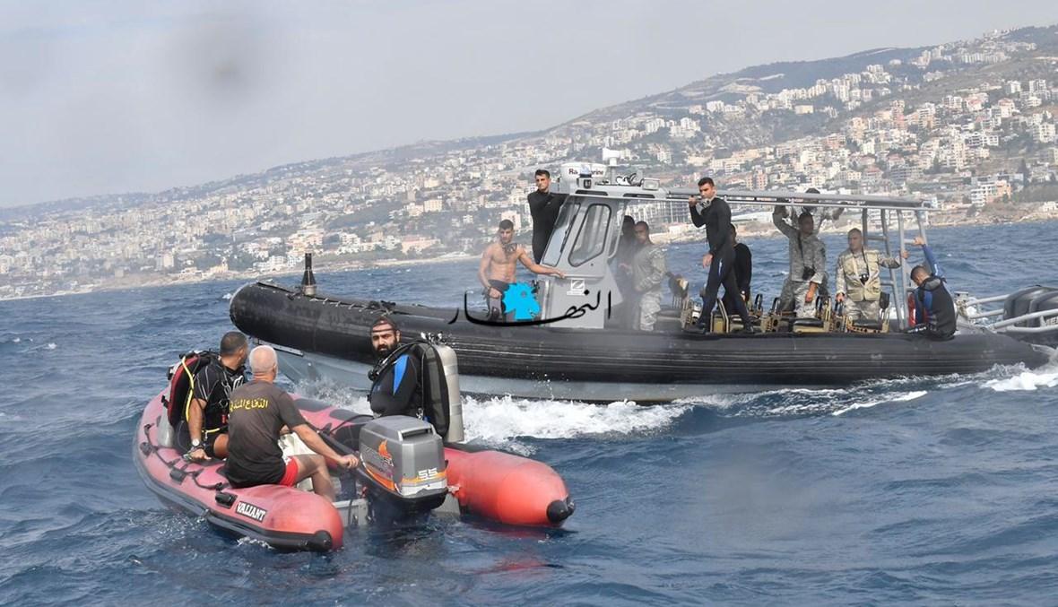 من عمليات البحث في البحر بمنطقة حالات بعد سقوط الطائرة المدنية (حسام شبارو).