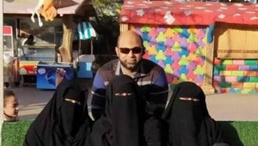مصري متزوج 4 نساء 3 منهنَّ في بيت واحد.