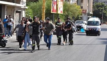 إجلاء سكان في محيط الطيونة مع تواصل إطلاق النار (نبيل اسماعيل).