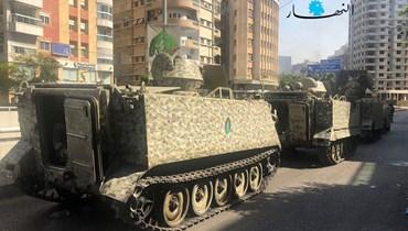 آليات الجيش اللبناني أمام قصر العدل في بيروت (حسام شبارو).