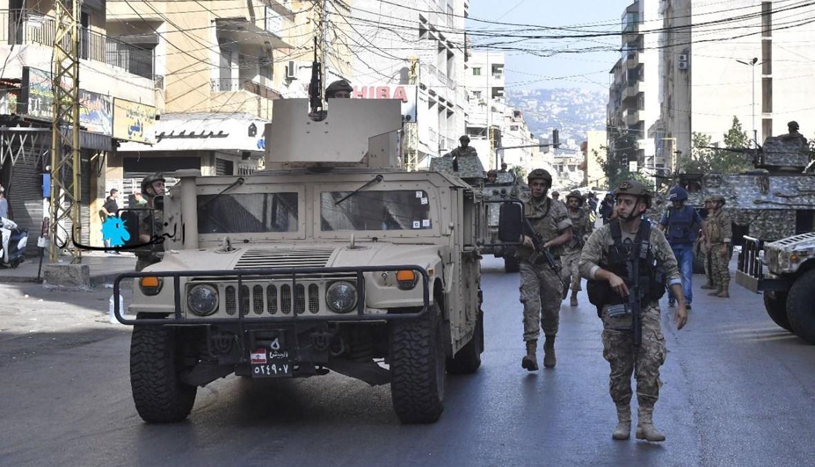 عناصر من الجيش في شوارع الطيونة (نبيل إسماعيل).
