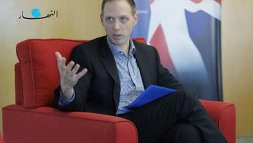 السفير البريطاني في لبنان إيان كولارد (مارك فياض).