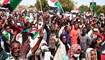 انصار الحكم المدني يتظاهرون في شوارع أم درمان (21 ت1 2021، أ ف ب).