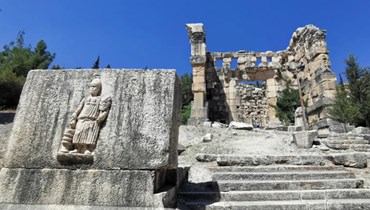 معبد نيحا (كريم سخن)