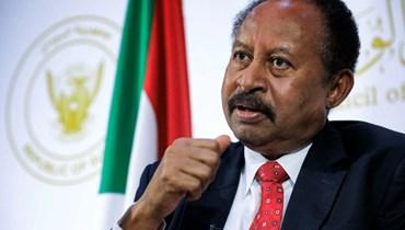 حمدوك من مقر إقامته الجبرية: على السودانيين التمسك بالسلمية