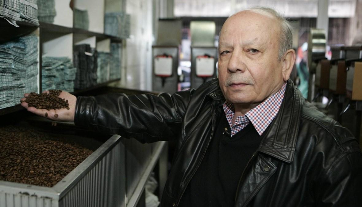 وليد طافش... القهوة صنعة المحل البيروتي المعروف والأمل رفيقه