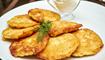 فطائر البطاطا الألمانية: طبق شهيّ مع البصل!