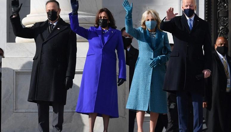كامالا هاريس، نائبة الرئيس المنتخب وزوجها، يتوجهان إلى منصة التنصيب
