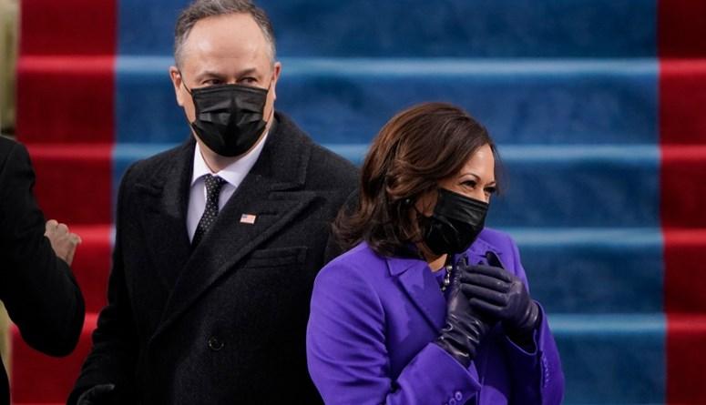 كامالا هاريس تؤدي اليمين كنائبة للرئيس الأميركي