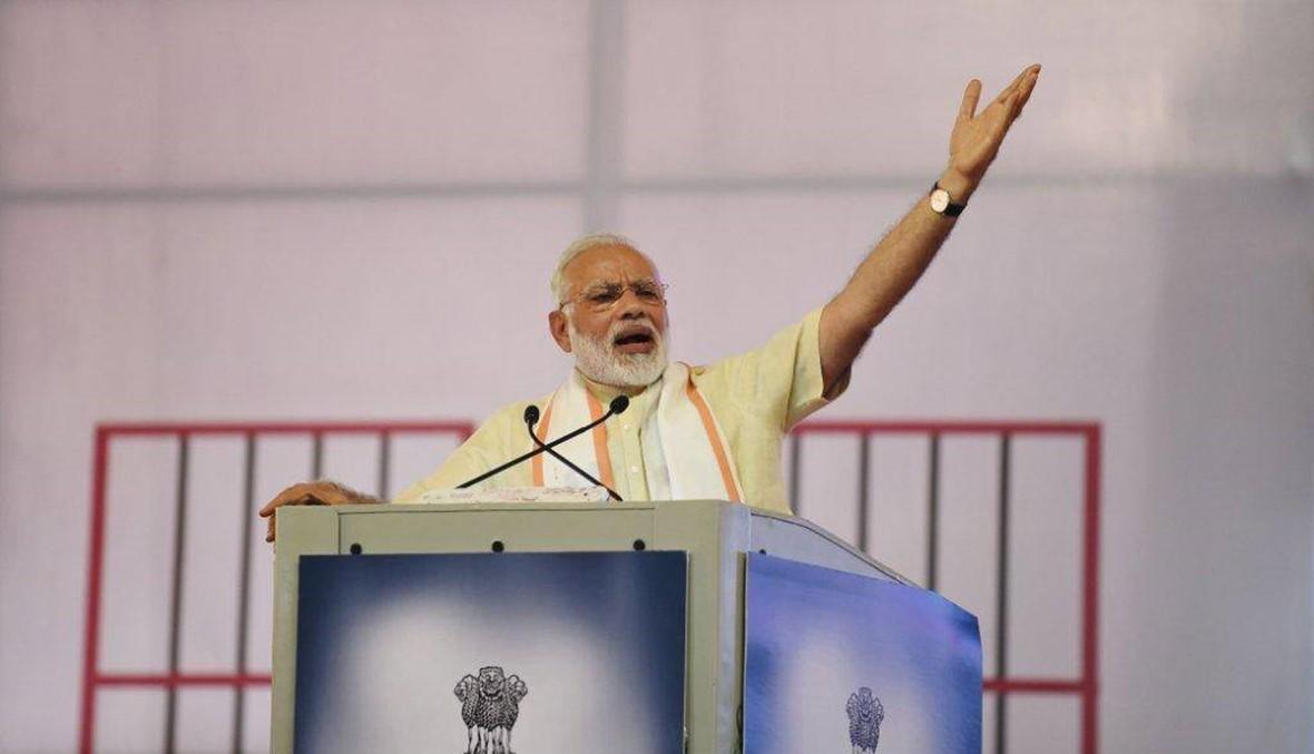 """مودي أوّل رئيس وزراء هندي يزور إسرائيل... نتانياهو يرحّب """"بزعيم أكبر ديموقراطيّة في العالم"""""""