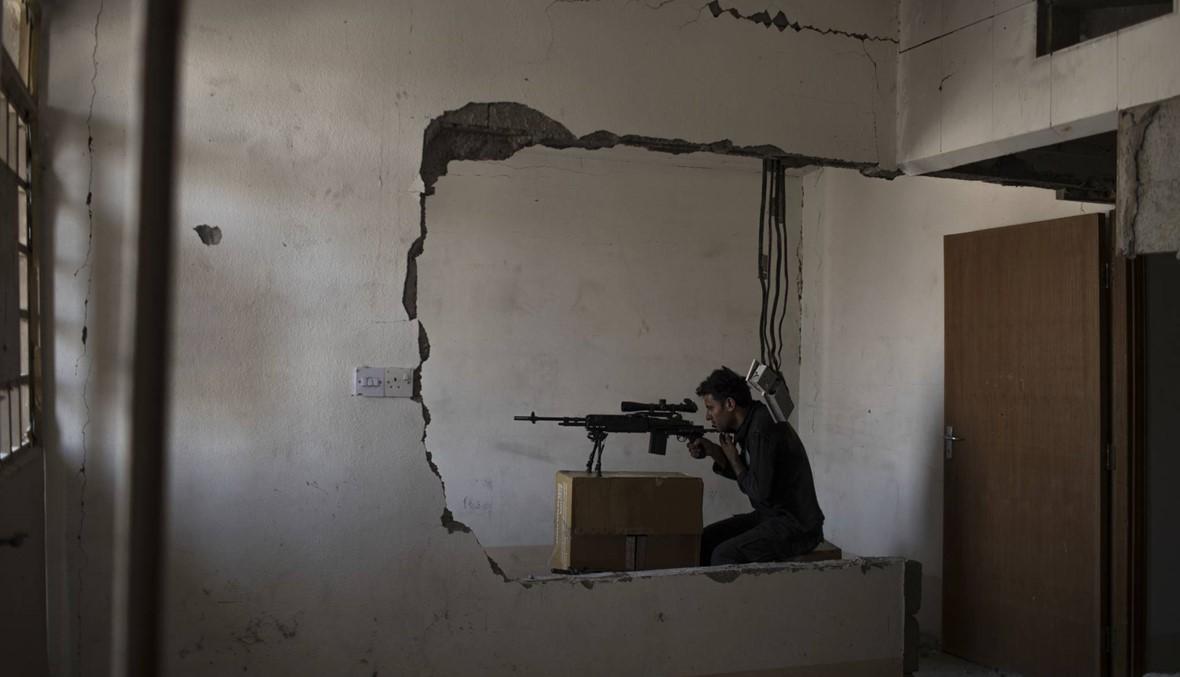 """""""ما نسلّم، إحنا نريد نموت"""".... اشتباكات قوية ضد آخر عناصر """"داعش"""" في الموصل"""