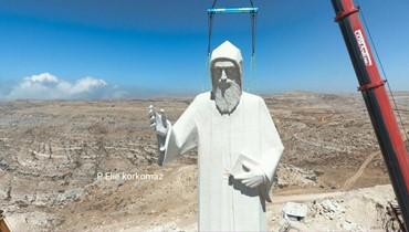 رفع تمثال مار شربل في فاريا