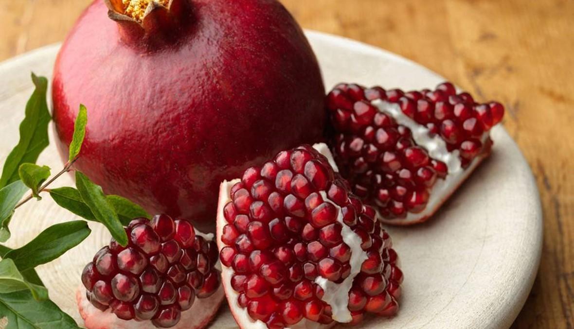 اكتشفي سحر فاكهة الرمان على جمالك