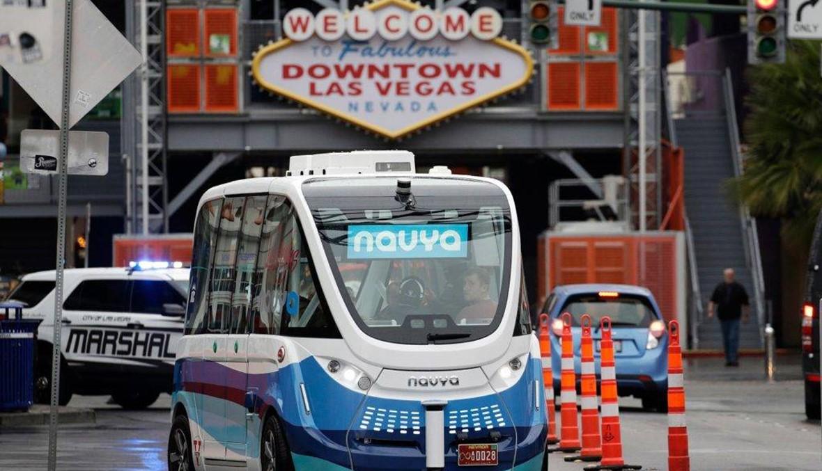 شاحنة تصدم حافلة ذاتية القيادة في لاس فيغاس... غرامة على السائق